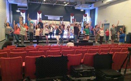 Poca High s show choir to