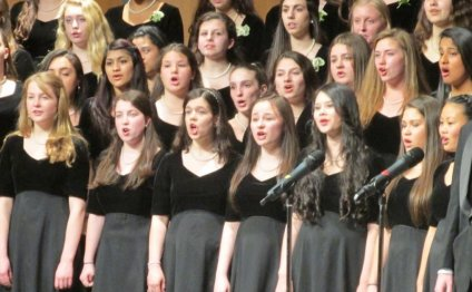 Trumbull High School Choirs to